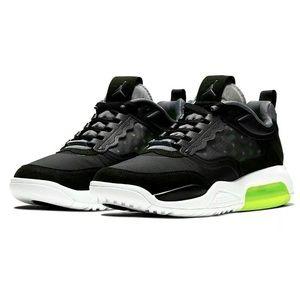 Nike Jordan Air Max 200 men's Size 9